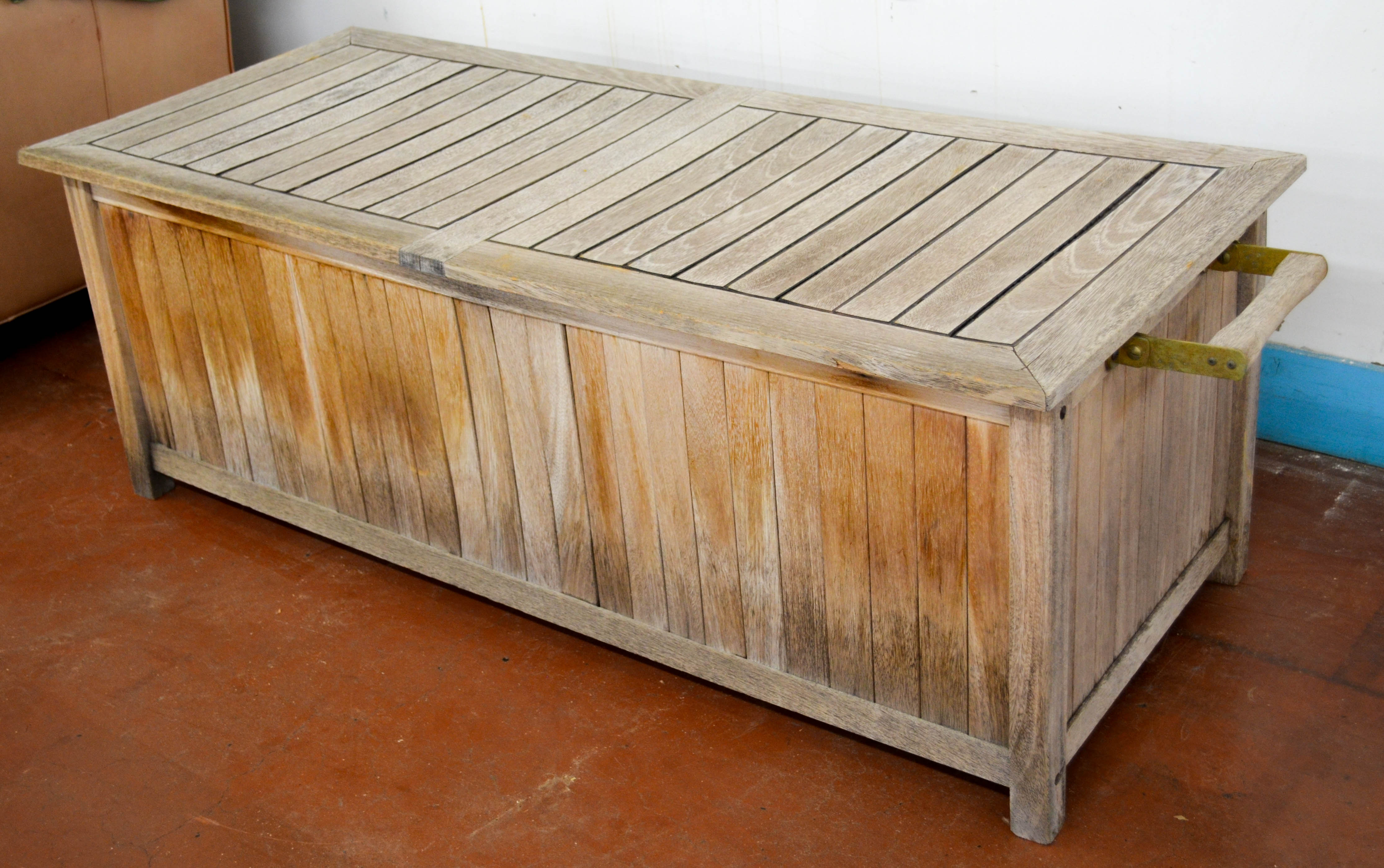 92 Outdoor Trunk Bench