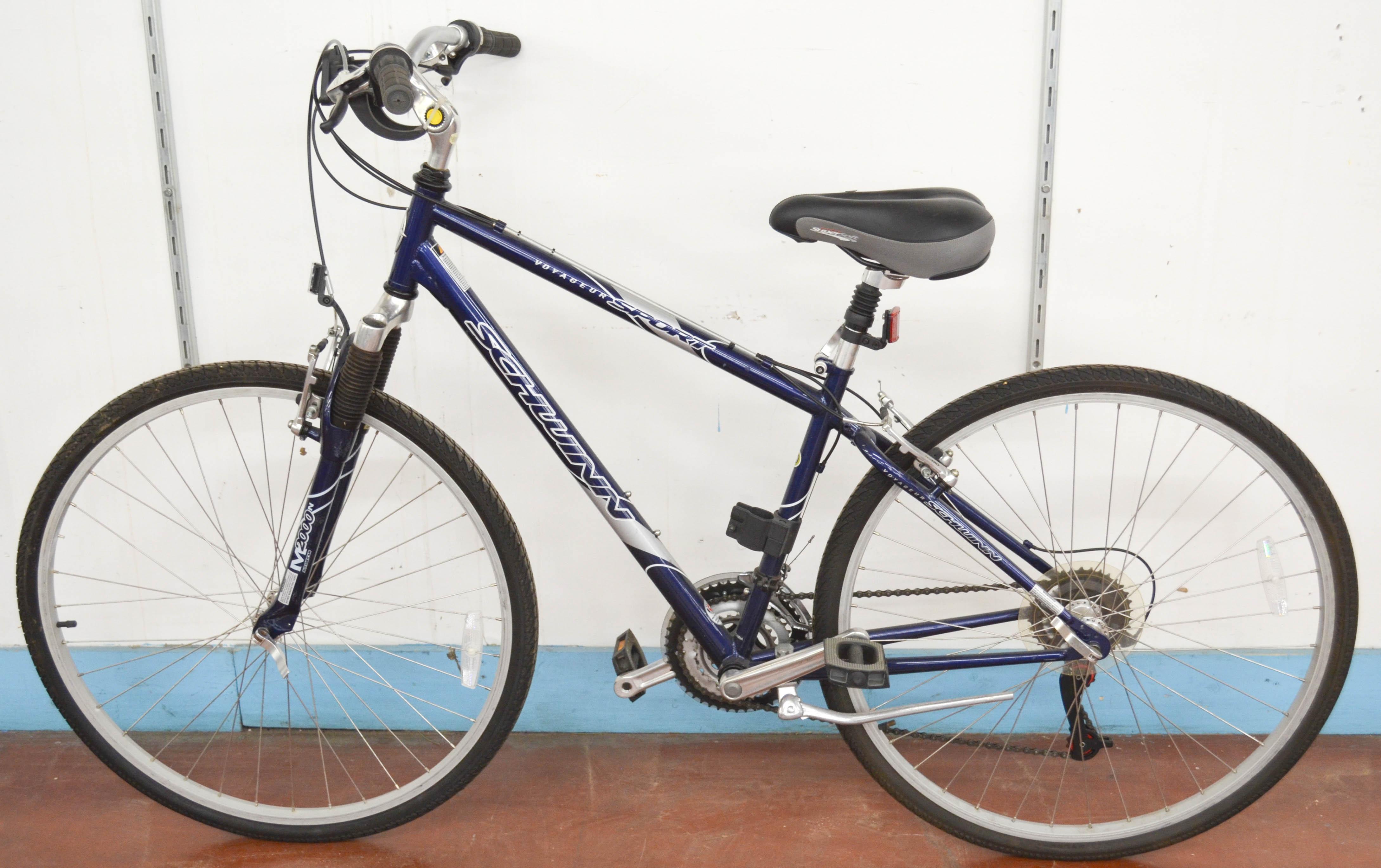 104 Schwinn Voyageur Sport Bike