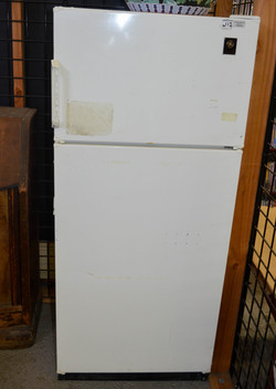142 Apartment Size Fridge