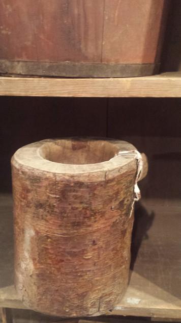 Bark-on table top mortar