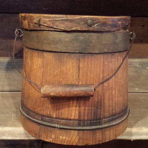 Small sugar bucket