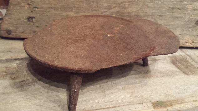 Early iron trivet