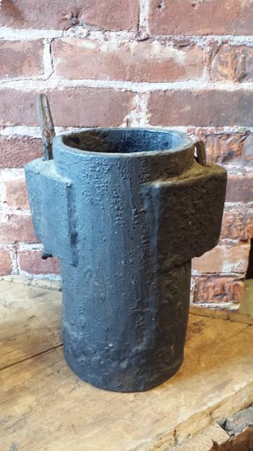Wagon grease bucket