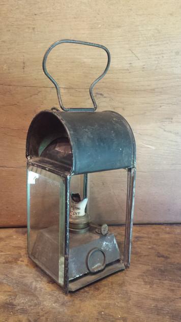 Lantern with ceramic burner