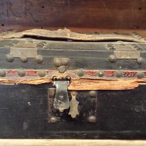 Small document box