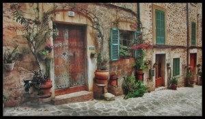 OLD LITTLE ITALIAN HOUSE