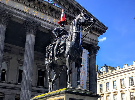 GoMA and Duke of Wellington Statue
