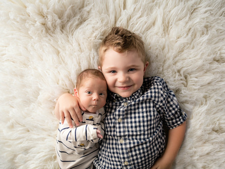 Sibling and Parent: An Add on to your Newborn Session