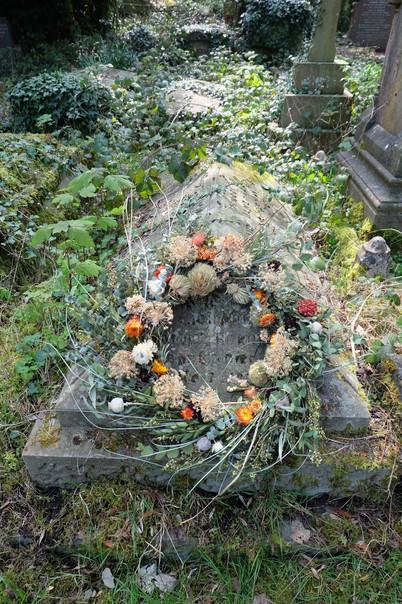 Dried flower spiraled wreath