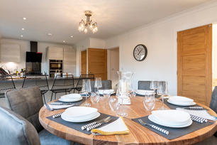 Show Home Dining 4.jpg