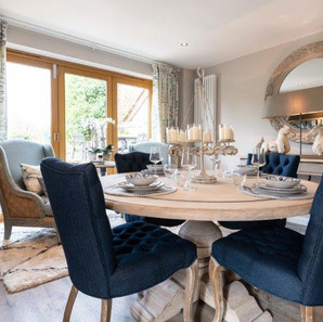 Holiday Cottage Table