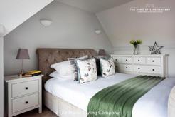 Bed 10.jpg