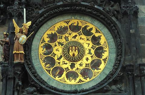 Prague_Astronomical_Clock_lower_clock.pn