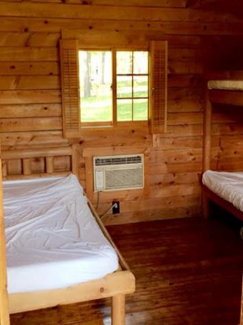 cabin1inside4.png