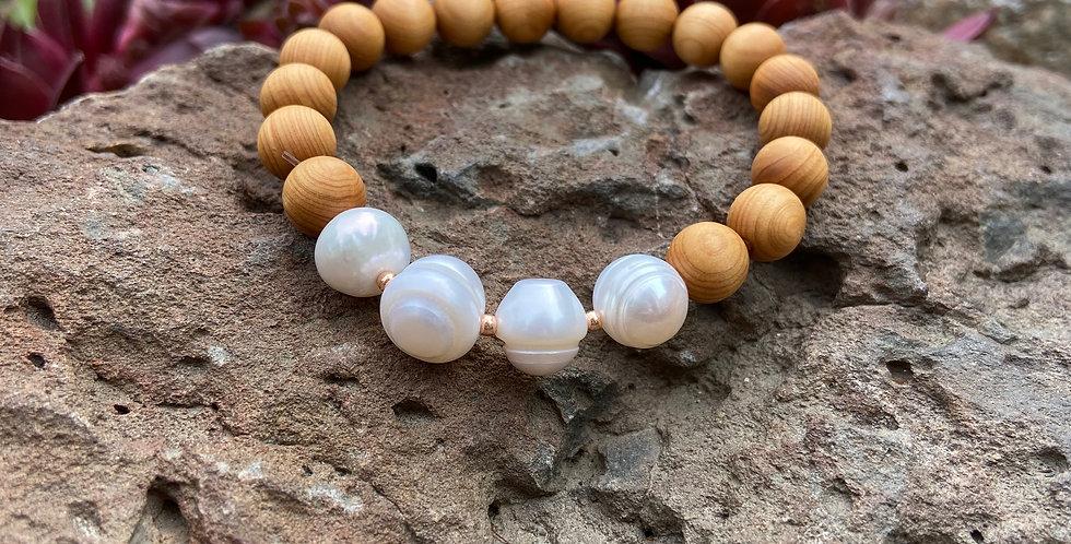 Venus Rising - Pearl & Sandalwood Bracelet
