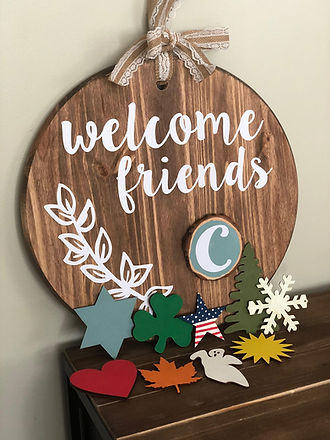 Welcome Sign with magnetic ornaments