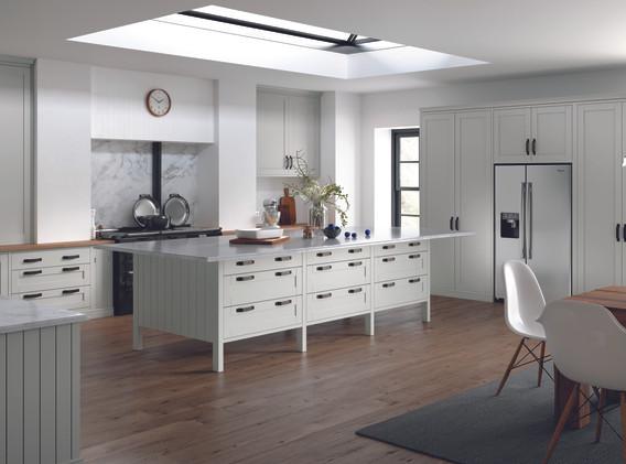 Kitchens_GADDESBY_Burnham_SERICAWhiteGre