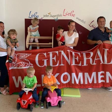 """Große Freude mit neuer Kletterwand in der FamiliJa-Spielgruppe """"Dorfspatzen Reißeck"""""""