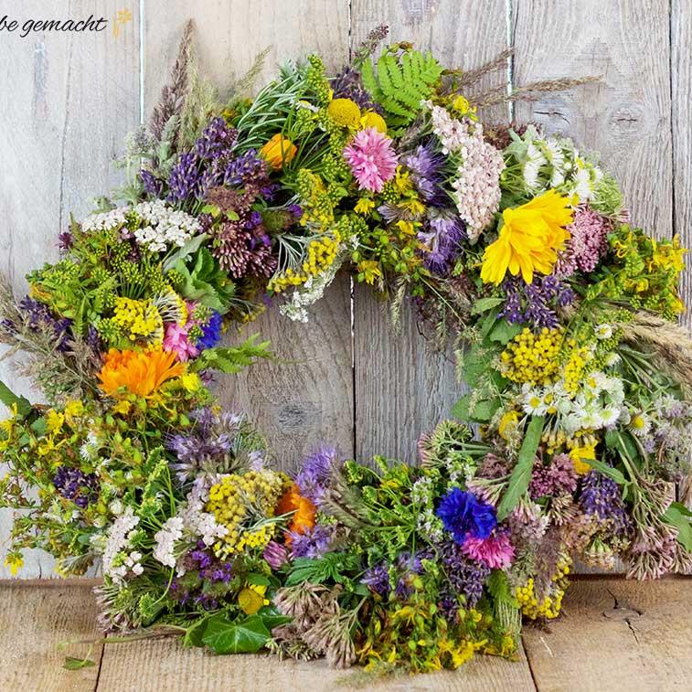 Duftendes Blumen- oder Kräuterkranzl