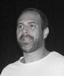Roberto Mendoza escenario01.jpg