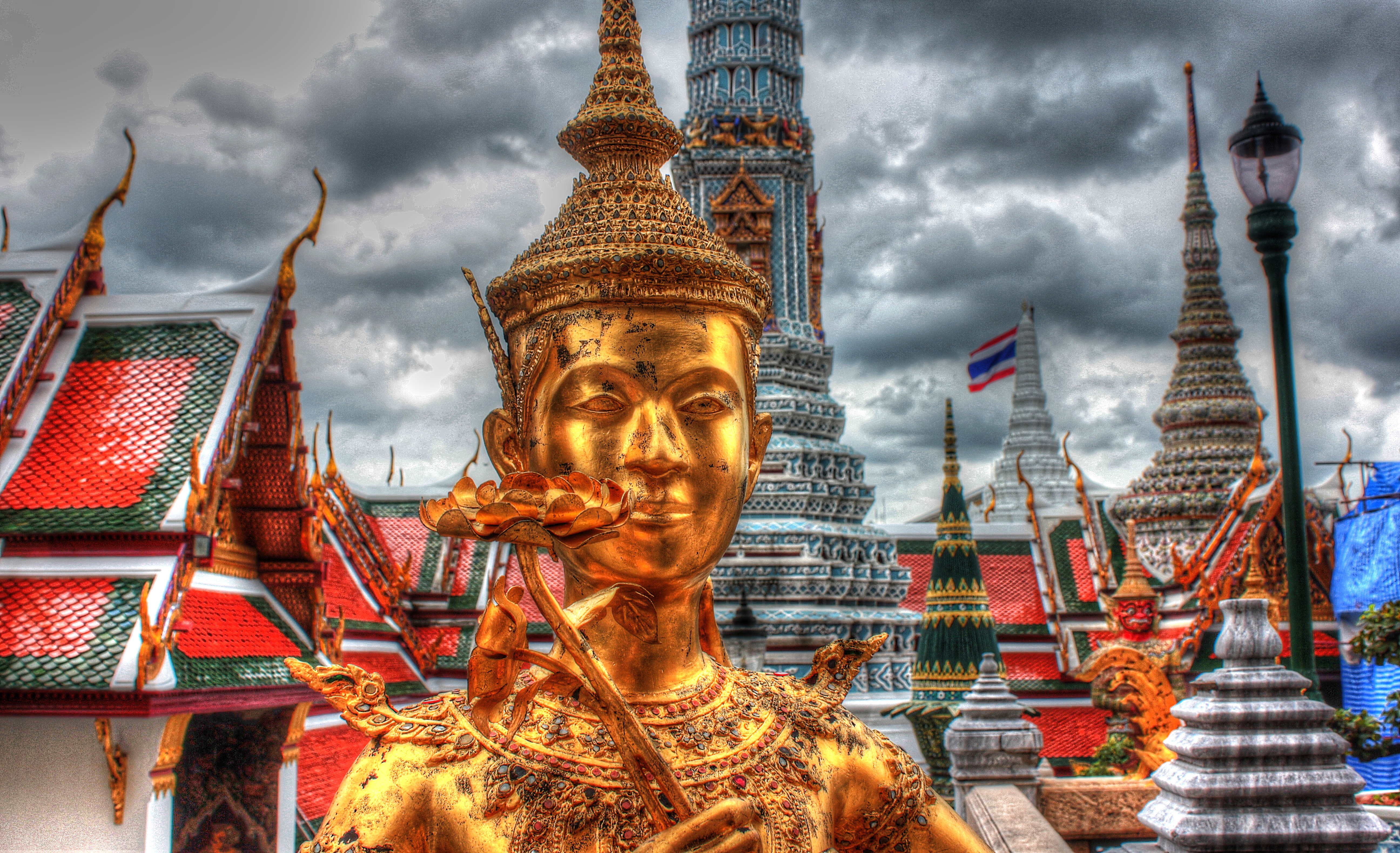 grand palace 5