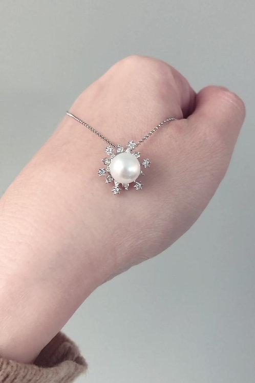 Snowy Necklace