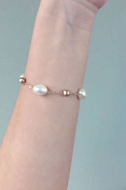 Pearl & Frosted Gold Bead Bracelet