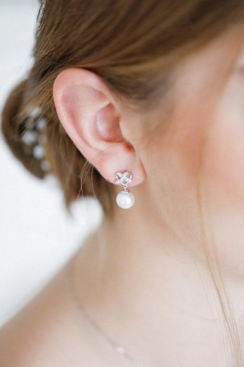 Infinity Love Earrings with Akoya Pearl