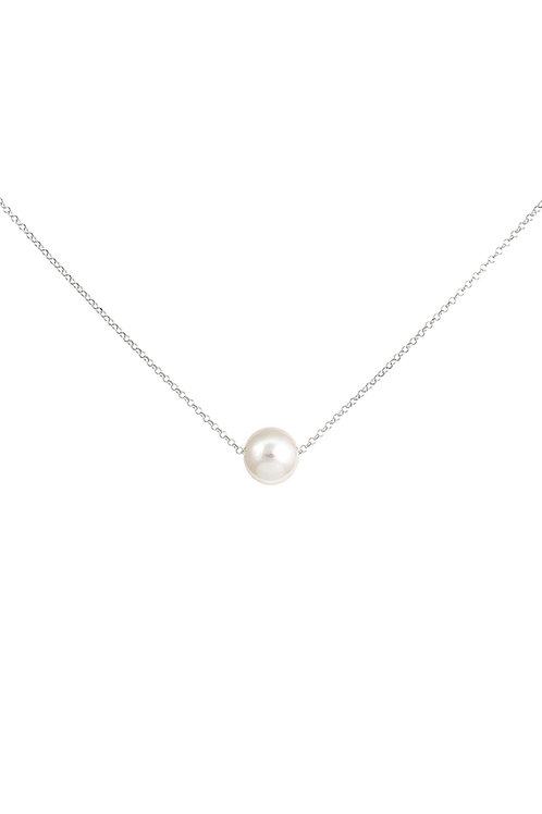 A Floating Pearl Necklace