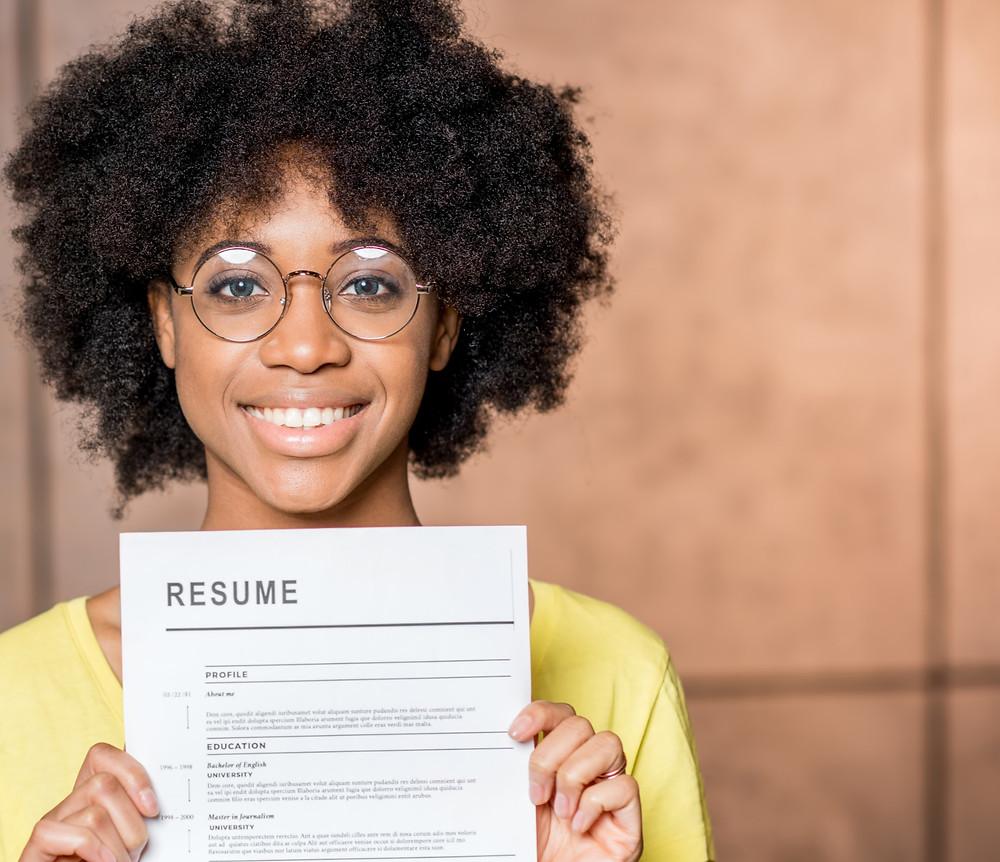 Fröhlich, authentisch, CV, Resume, Bewerbung, Bewerbervorteil