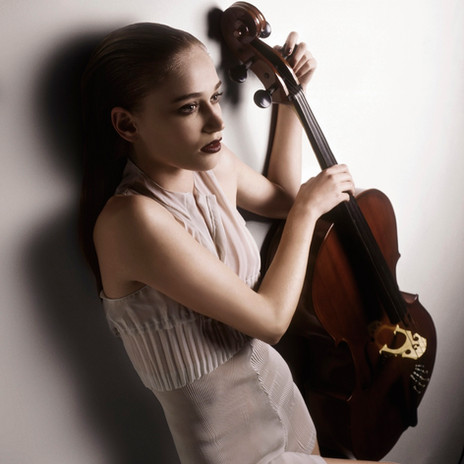Viviane Orth por Gustavo Zylbersztajn
