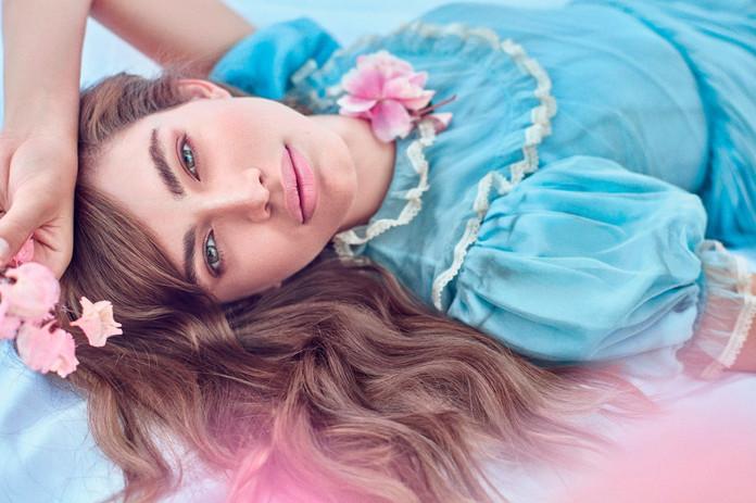 Valentina Sampaio por Gustavo Zylbersztajn