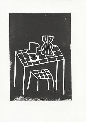 Pots sur table noir