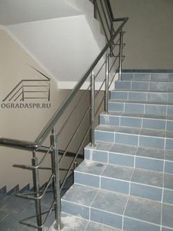 Ограждение лестницы с леерами