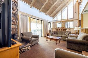 Lake shore room