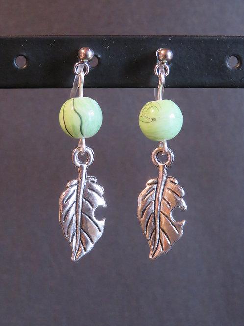 Boucles vert feuilles