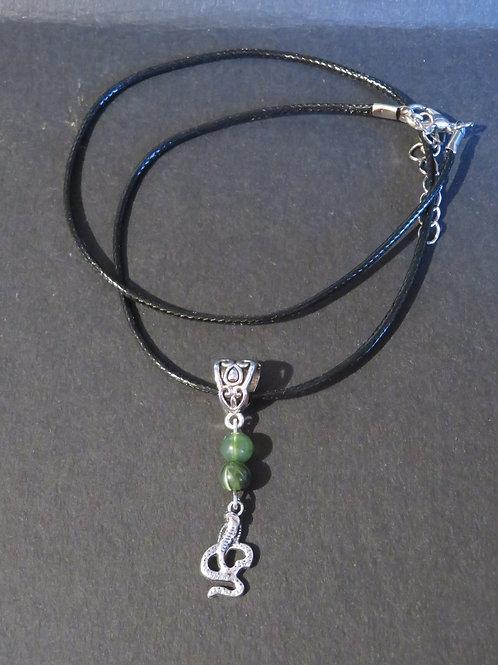 Collier serpent vert