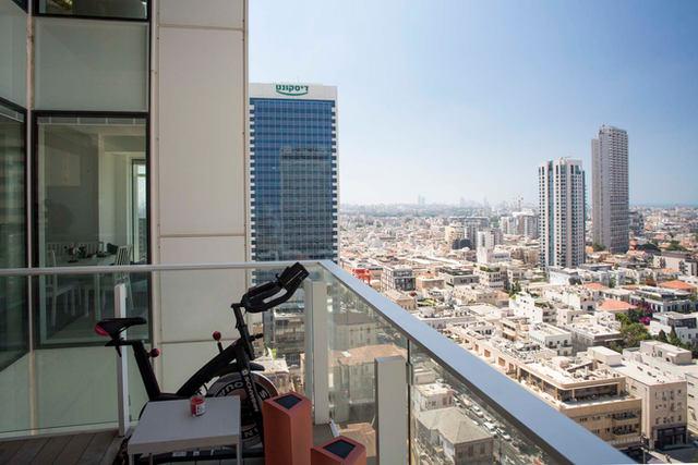 הנוף החד פעמי מדירה להשכרה במגדל רוטשילד 17, תל אביב 2020