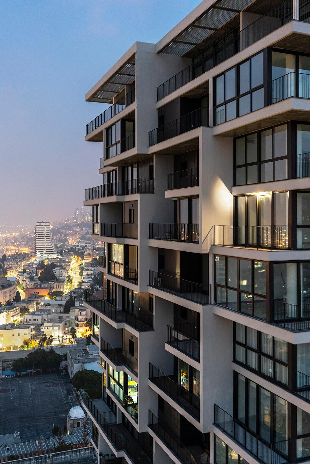 מגדל אחד העם חיפה בשקיעה