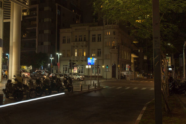 קמפיין שילוט רחוב ״ג׳ייסי״ חדש להומרקט בשדרה הראשונה של תל אביב