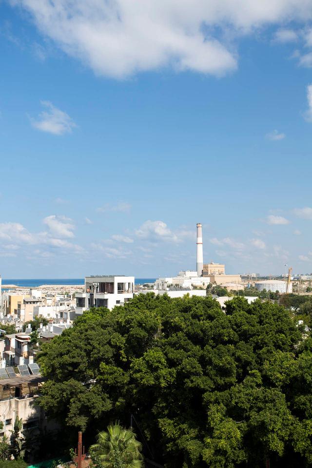 הנוף של הים והנמל מפרויקט ירמיהו 27-29