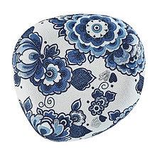 Pebbles Lotte.jpg
