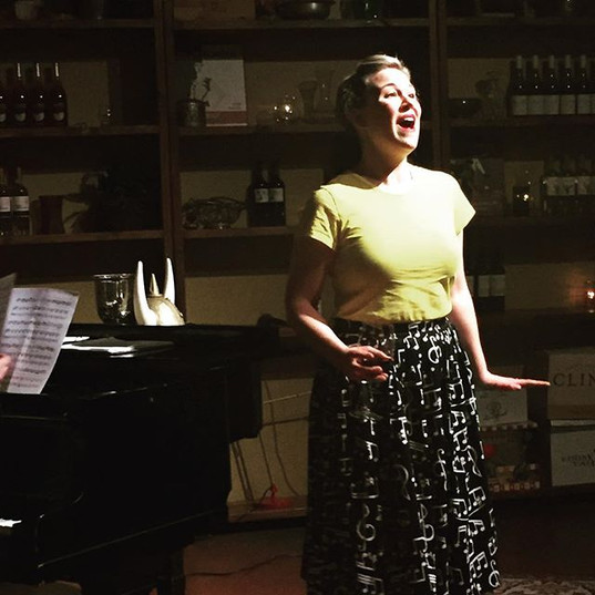 Diva Sadie Gregg singing Cenerentola