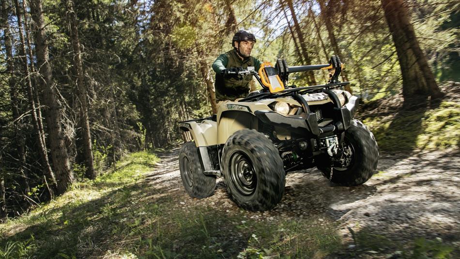 2018-Yamaha-YFM450FWBD-EU-Tan-Camouflage-Action-011