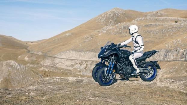 2018-Yamaha-NIKEN-EU-Graphite-Static-011
