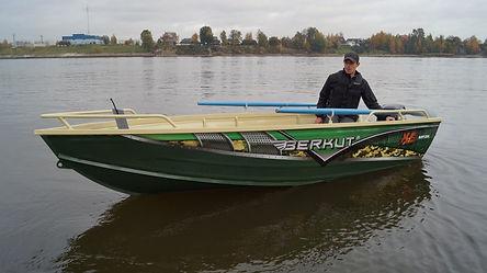 Моторная лодка Berkut XS