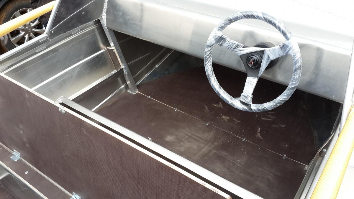 алюминиевый катер 370 Classic