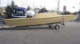 лодка Астраханка каютная