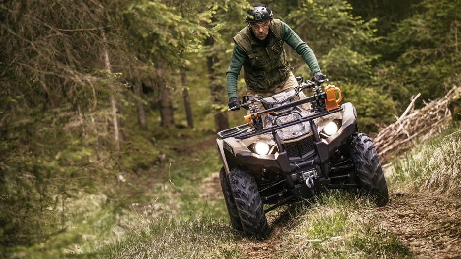 2018-Yamaha-YFM450FWBD-EU-Tan-Camouflage-Action-003