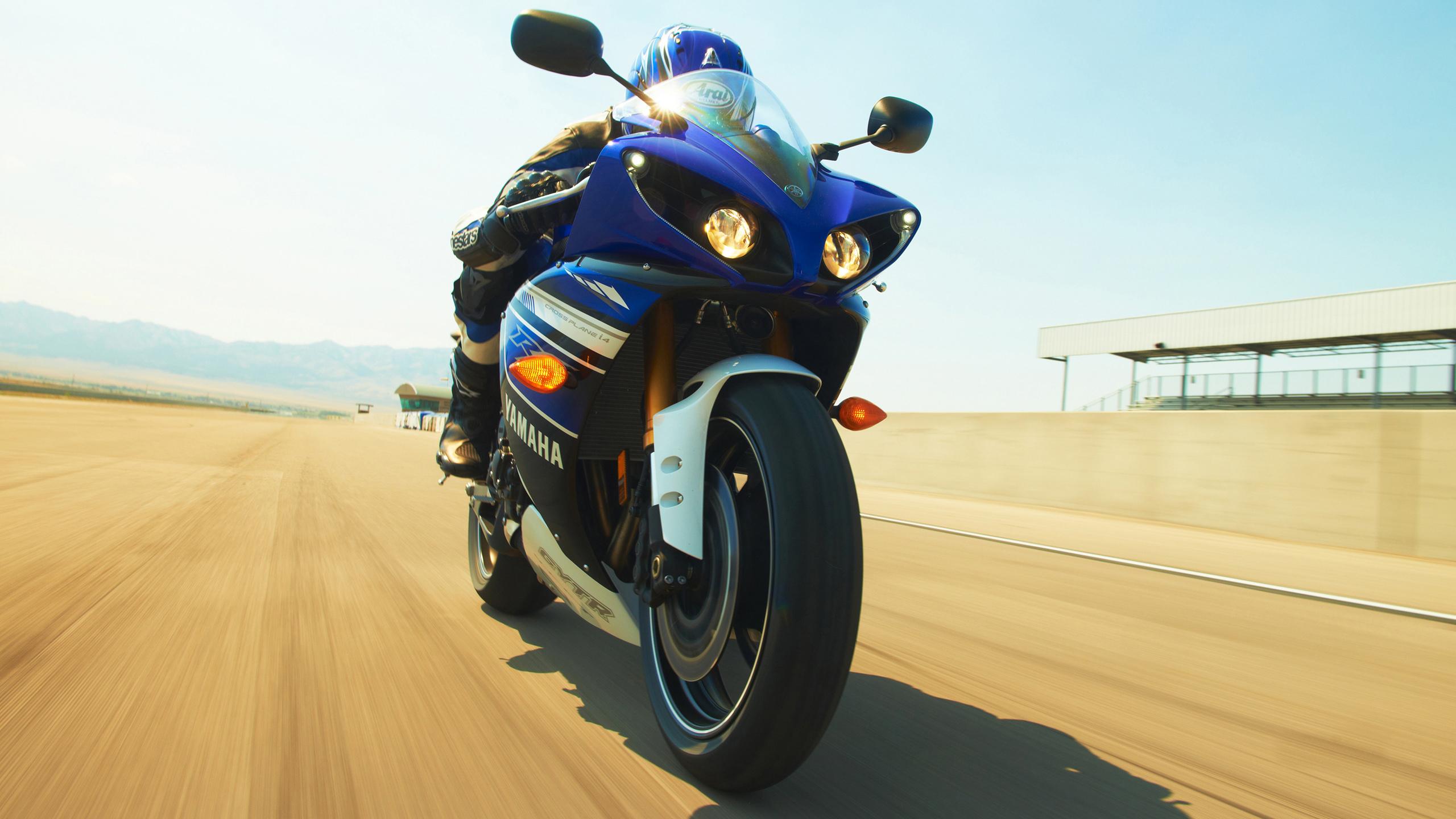 Yamaha-YZF-R1-2013-2560x1440-002